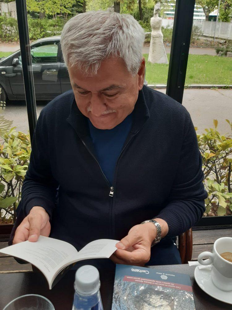 """Hristo Slavo , מו""""ל ומנהל מרכז תרבות בולגריה מעיין בספר .אירוע ההשקה יתקיים ביום שישי"""